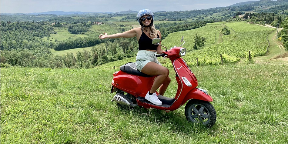vespa excursion in the area of San Gimignano